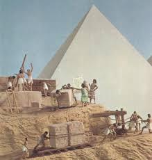 logistika-piramidziu-bloku-transportavimas