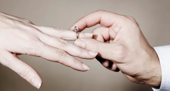 Klasikiniai sužadėtuvių žiedai